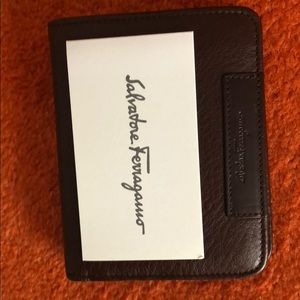 Ferragamo wallet. Brown. Leather